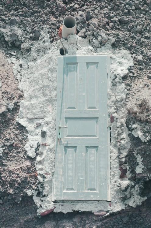 Vers où cette porte mène ? (Surment un cabanon, mais chut il ne faut pas gâcher la magie !)